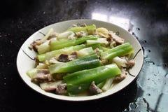 Heerlijk Chinees voedsel, sjalotten en gebraden vlees royalty-vrije stock foto