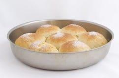 Heerlijk gebakken koekje in kleine pan Stock Afbeeldingen