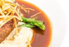 Heerlijk haasbiefstuklapje vlees met asperge Stock Foto
