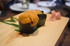 Heerlijk Japans voedsel bij Japans restaurant stock afbeeldingen
