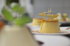 Heerlijk karameldessert Stock Foto