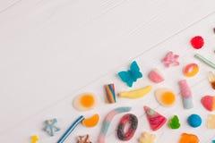 Heerlijk kleurrijk suikergoed op witte achtergrond royalty-vrije stock fotografie