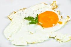 Heerlijk ontbijt met gebraden ei royalty-vrije stock afbeelding