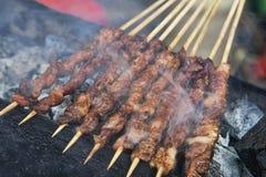 Heerlijk straatvoedsel van Geroosterde Lamskebabs in Guilin Stock Foto