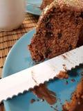 Heerlijk stuk van marmeren cake stock foto's