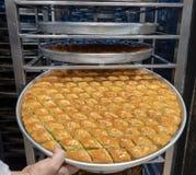 Heerlijk Turks snoepje, baklava met groene pistachenoten royalty-vrije stock afbeelding