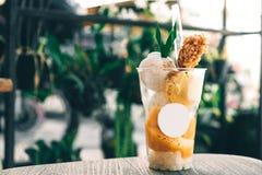 Heerlijk van de roomijsmango en vanille aroma met kleverige rijst Thais roomijs stock foto