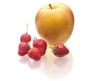 Heerlijke aardbei en appel Royalty-vrije Stock Afbeelding