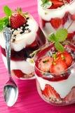 Heerlijke aardbeidesserts Stock Foto