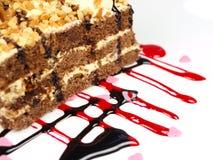 Heerlijke cake op witte achtergrond Stock Afbeeldingen