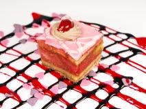 Heerlijke cake op witte achtergrond Stock Foto's