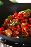 Heerlijke Chinese voedsel gebraden schotel - hete pepersau stock afbeelding