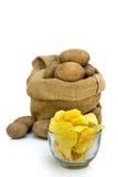 Spaanders met aardappel Stock Foto's