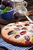 Heerlijke eigengemaakte pastei met pruimen Stock Afbeeldingen