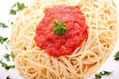 Heerlijke eigengemaakte spaghetti met tomatoesaus royalty-vrije stock fotografie