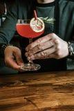 Heerlijke exotische cocktail stock foto's