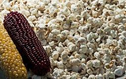 Heerlijke graanpopcorn royalty-vrije stock afbeeldingen