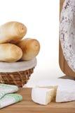 Heerlijke kaas, worst, baguettes Royalty-vrije Stock Afbeelding