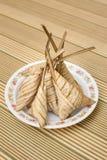Heerlijke Ketupat Daun Palas klaar om op Eid Festival te eten Stock Afbeelding