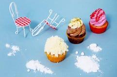 Heerlijke kleurrijke cupcakes Royalty-vrije Stock Foto's