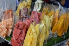 Heerlijke kleurrijke exotische vruchten op chatuchakmarkt in Bangkok, Thailand, Azië Royalty-vrije Stock Afbeelding