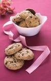 Heerlijke koekjes op een witte plaat Royalty-vrije Stock Afbeeldingen