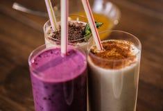 Heerlijke milkshake voedzame proteïne voor ontbijt Royalty-vrije Stock Afbeeldingen