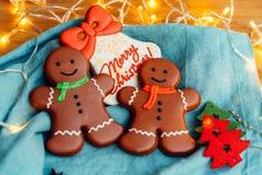 Heerlijke peperkoekkoekjes vóór Kerstmis Houd van alle kinderen en volwassenen stock foto's