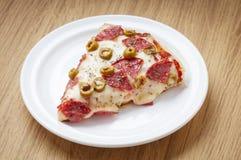 heerlijke pizzabesnoeiing Stock Afbeeldingen