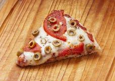 heerlijke pizzabesnoeiing Stock Foto