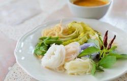Heerlijke Thaise food.KaNom jeen Noedels Stock Foto