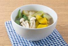 Heerlijke Thaise Hete en Kruidige Gemengde Groentesoep Stock Afbeelding