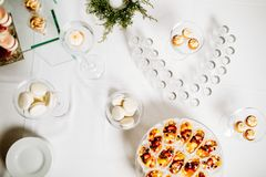 Heerlijke van de het suikergoedbar van de huwelijksontvangst het dessertlijst royalty-vrije stock fotografie