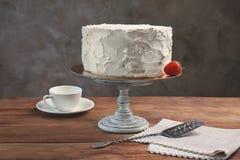 Heerlijke vanillecake met slagroom Stock Afbeelding