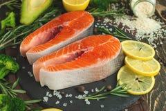 Heerlijke verse vissenlapjes vlees, zalm, forel Schoon en smakelijk voedsel royalty-vrije stock foto's