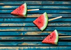Heerlijke verse watermeloen Roomijs met watermeloenen stock foto's