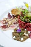 Heerlijke vlees en groenten, courgetteviooltjes Stock Fotografie