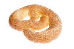 Heerlijke zoete gebakjes eigengemaakte pretzel met suiker stock foto