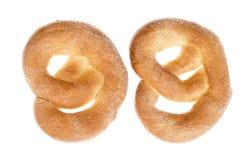 Heerlijke zoete gebakjes eigengemaakte pretzel met suiker stock fotografie