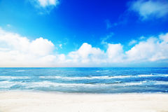 Heet de zomerstrand, overzees landschap Royalty-vrije Stock Afbeelding