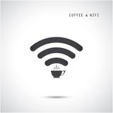 Heet koffiekop en wifiteken Technologie en bedrijfsachtergrond Stock Foto's