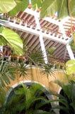 Heet Koloniaal balkon royalty-vrije stock fotografie