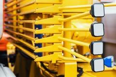 Hefbomen van beheer van bouwmateriaal op de tractor, t royalty-vrije stock foto