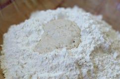 Hefe und Mehl lizenzfreie stockfotos