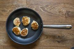 Hefepfannkuchen mit Stau Lizenzfreie Stockfotografie