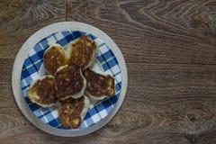 Hefepfannkuchen mit Stau Stockfotografie