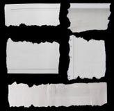 Heftige Papiere auf Schwarzem Stockfotos