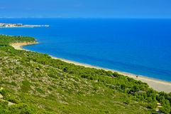 Heftiger Strand und die Küste von Hospitalet Del Infant, Spanien Stockfotografie