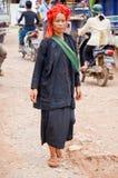 HEHO, MYANMAR, WRZESIEŃ 12, 2016: Pao plemienia kobieta przy Heho rynkiem, shanu stan, Myanmar Birma obraz stock