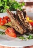 Heiße Fleisch-Teller - Bone-in Lamm Stockfoto